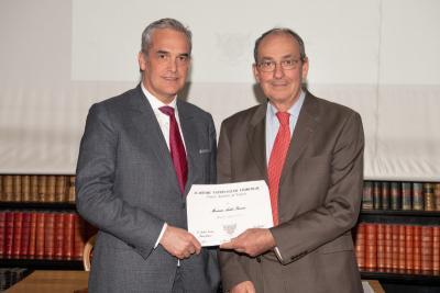Dr Ferreira est élu Membre associé de l'Académie Nationale de Chirurgie